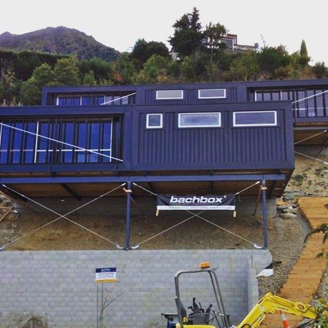 Casa Container On Instagram Mais Uma Lindeza Da Nova Zelandia Poderiamos Assim Container House Plans Shipping Container Homes Shipping Container House Plans