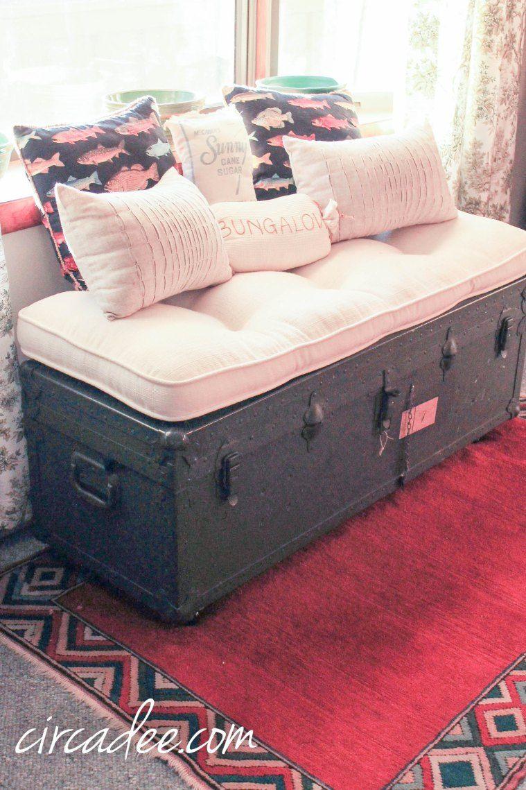 Phenomenal Vintage Military Ammo Trunk Bench Orange Kilim Rug By Bralicious Painted Fabric Chair Ideas Braliciousco