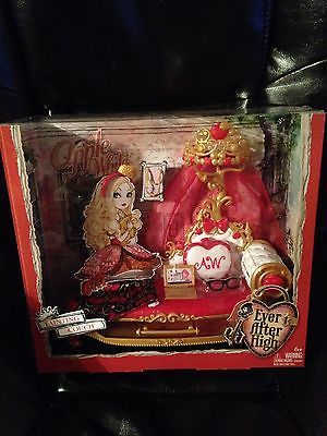 Ever After High Apple White Fainting Couch Playset Ever