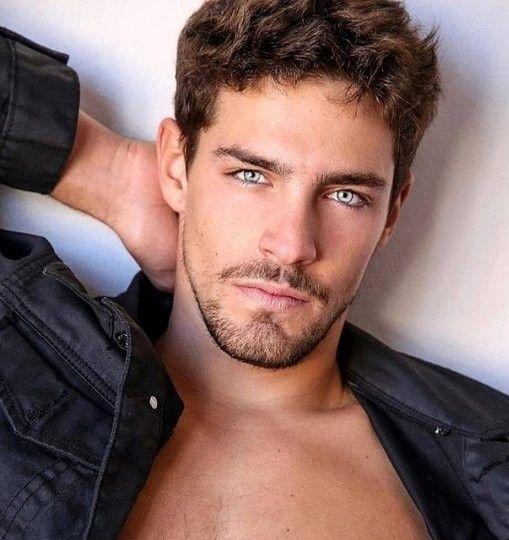 Me Regala Esos Ojos Si Brown Hair Men Beautiful Men Faces Handsome Men