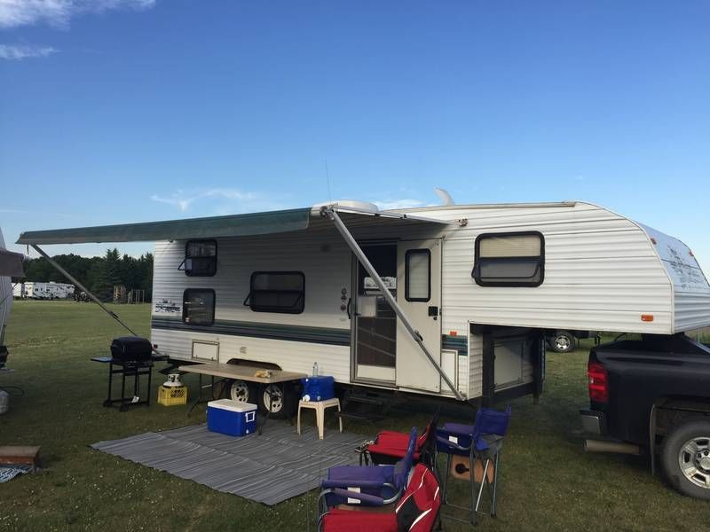 1998 Fleetwood Wilderness 25l 5x For Sale By Owner Calmar Ab Rvt Com Classifieds Fleetwood 5th Wheel Camper 5th Wheels