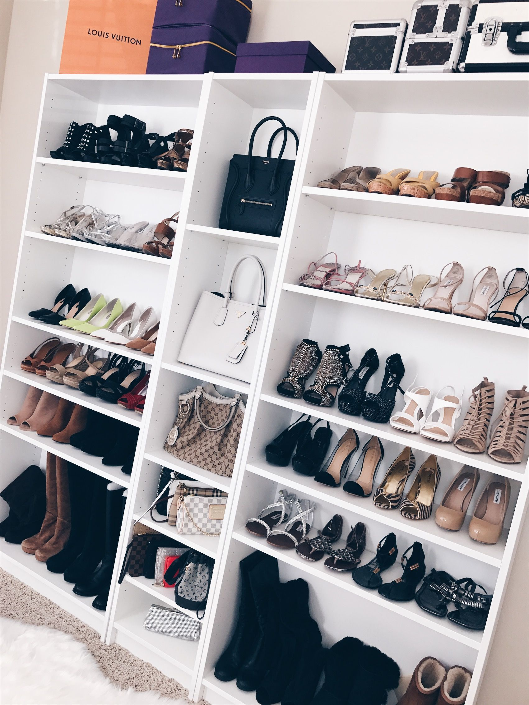 ikea billy bookcase for shoes and purses closet inspiration schrank billy b cherregal. Black Bedroom Furniture Sets. Home Design Ideas