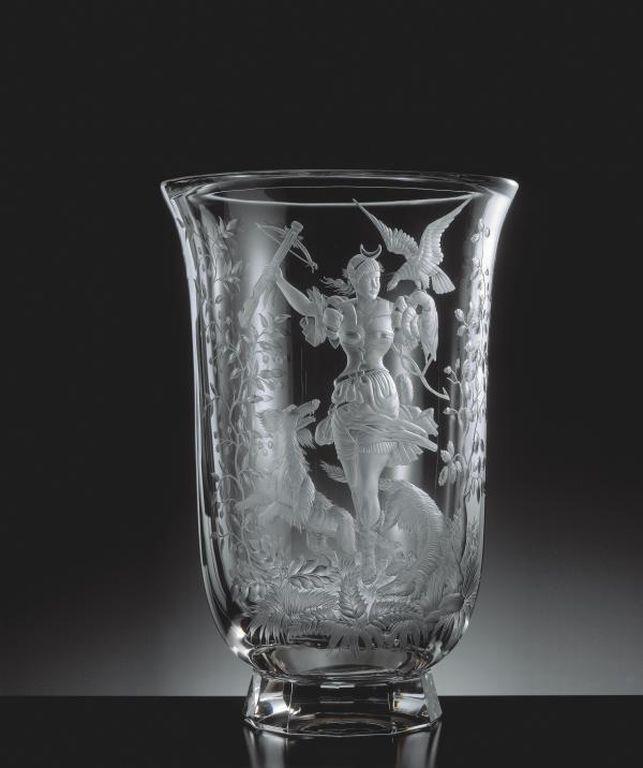 Hand engraved vase Eden 529, motif Diana by Moser