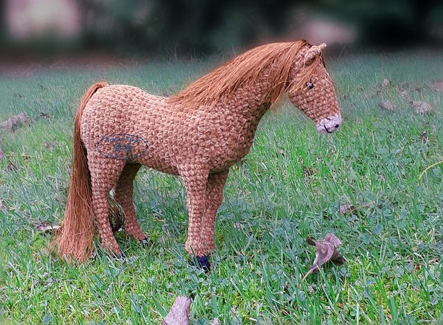 Stablemates Thoroughbred Horse pattern by Jan McKinnon #horsepattern