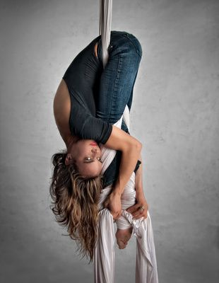 tela acrobatica