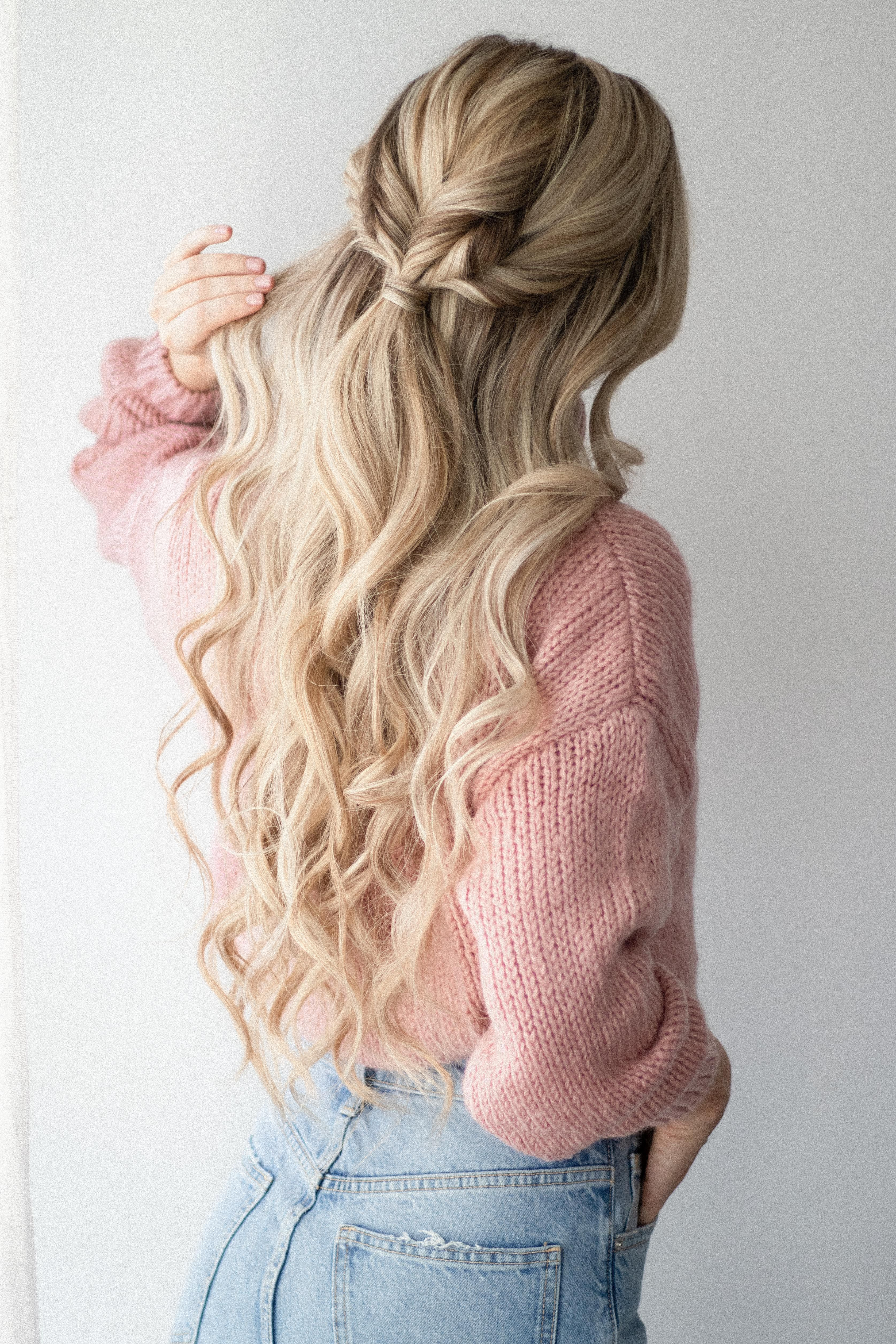 3 Easy Hairstyles that are Perfect for Sweater Weather