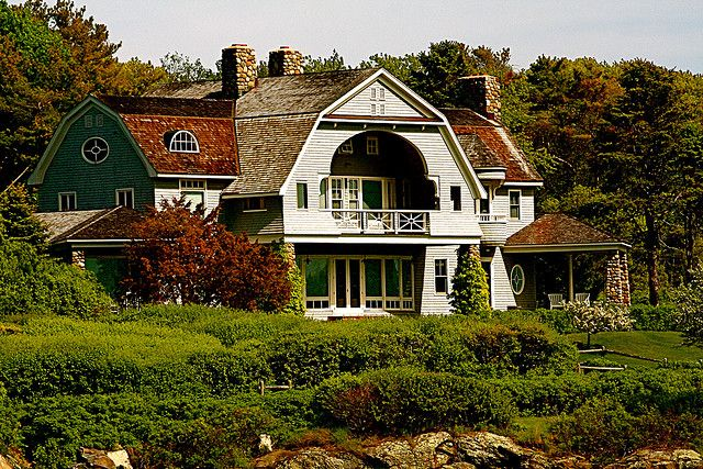 Fun Old Shingle Style Home In Kennebunkport Maine Pool Houses Maine House Shingle Style Homes