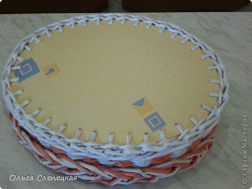 Поделка изделие Плетение И снова поднос  на сей раз получился в подарок и маленький МК по донышку для новичков Трубочки бумажные фото 8