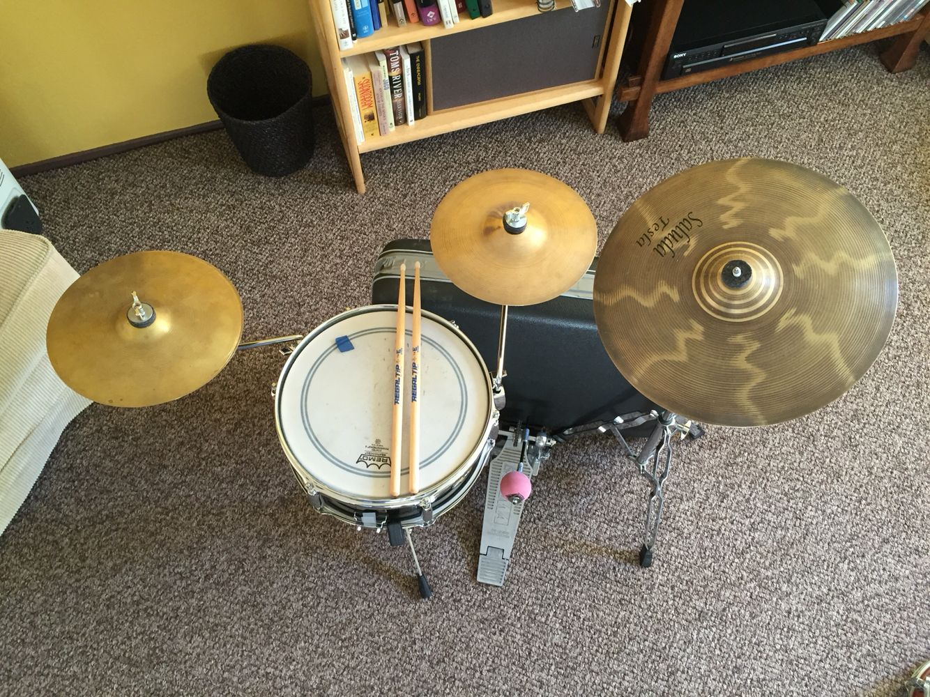 suitcase drum kit it all fits in the case suitcase bass sounds great drums drum kits. Black Bedroom Furniture Sets. Home Design Ideas