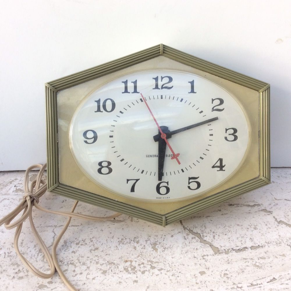 VINTAGE MID CENTURY GENERAL ELECTRIC KITCHEN WALL CLOCK ...
