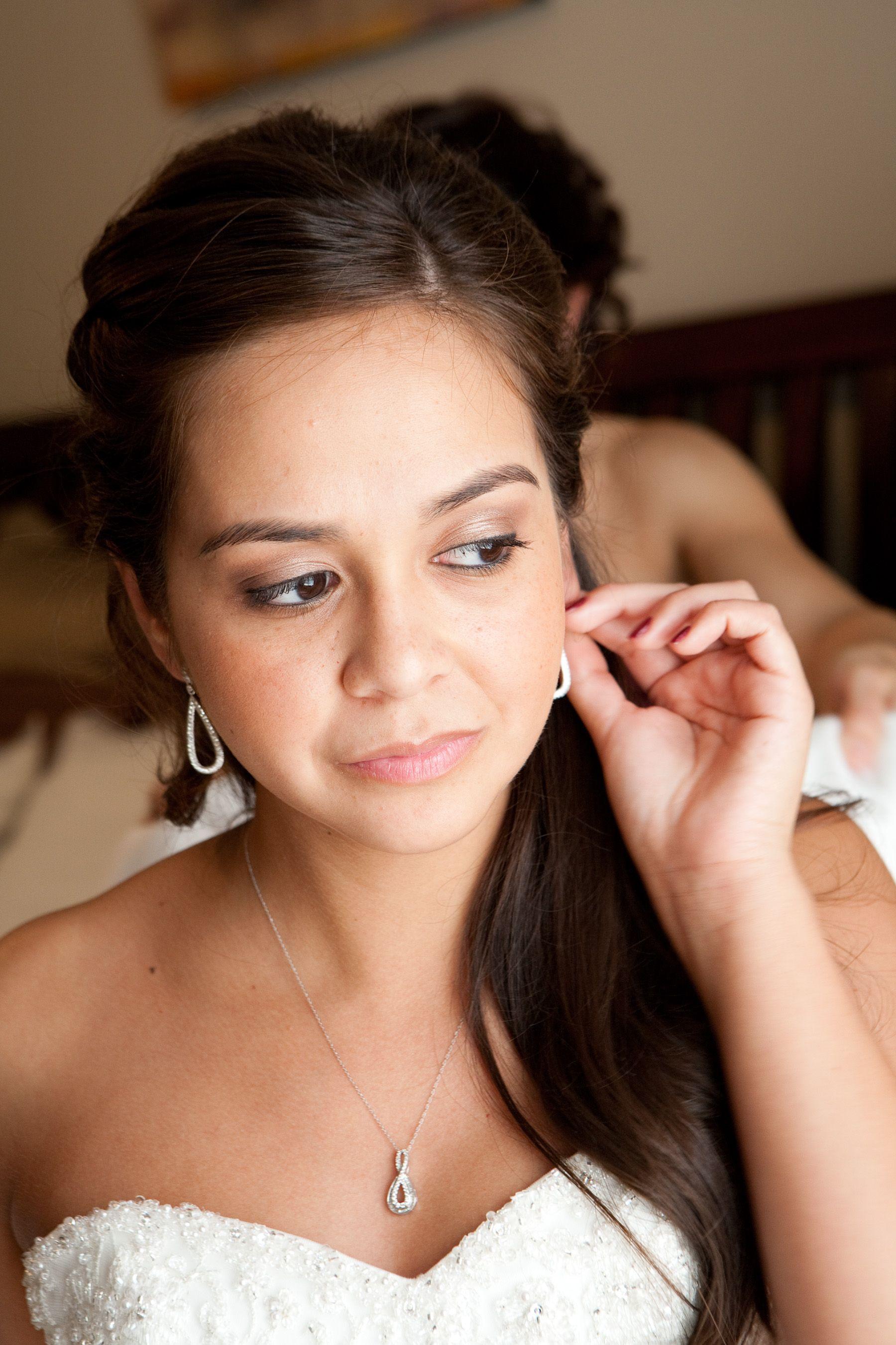 Why Choose Airbrush Make Up? Hair makeup, Makeup, Hair