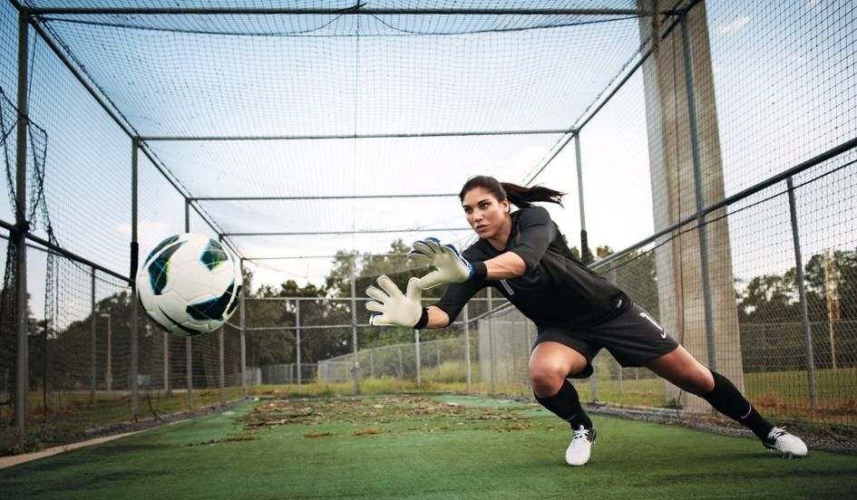 30 Hot Photos Of Sexiest Goalkeeper Of Usa Hope Solo Reckon Talk Hope Solo Soccer Goalie Olympics