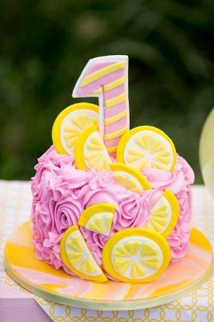 Brea's First Birthday/Lemonade Stand Cake Smash | Pink lemonade cake, Birthday cake girls, Pink lemo