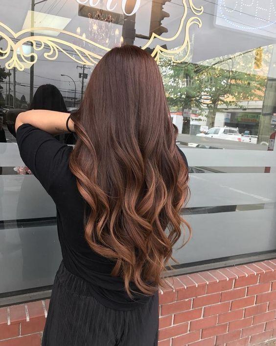 68 Unglaubliche braunes Haar Karamell Highlights Trend – frisuren