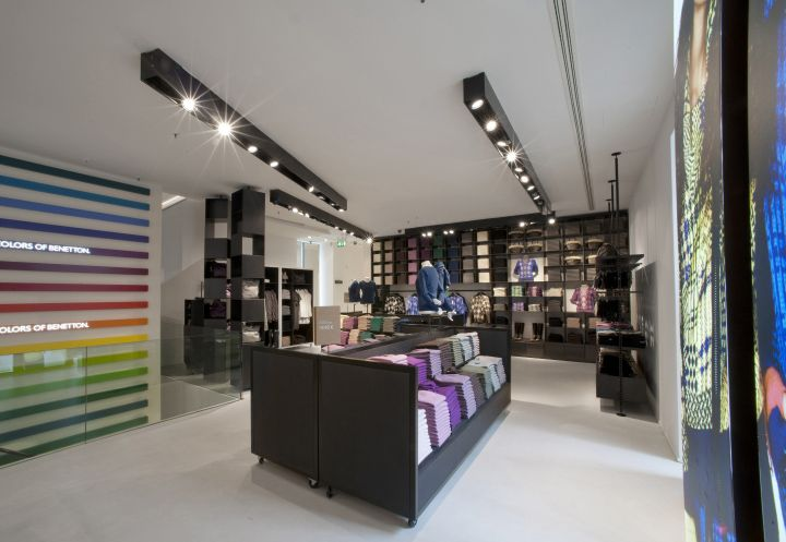 Benetton flagship store by piero lissoni milan store for Benetton usa online shop
