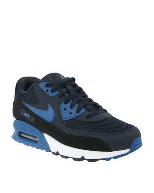 Step up your kick game by adding the renown Air Max 90 Essential Dark Obsidian Sneaker by Nike to your collection. The sick design also offers supreme comfort, to stay with you as you tackle everyday challenges in the urban jungle. It will instantly give your get-up a retro feel that is bang on trend and will look especially rad on instagram. Keep the rest of your ensemble minimalist, for example a white tee and skinny jeans, for a look that\'s a winner throughout the seasons.