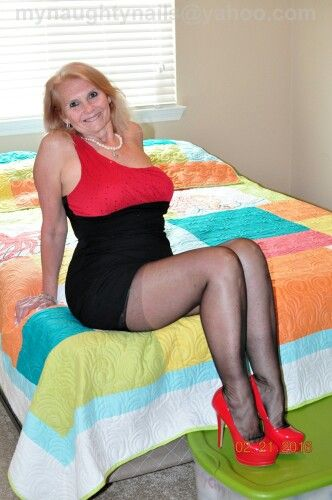 Foot love pantyhose center lovely