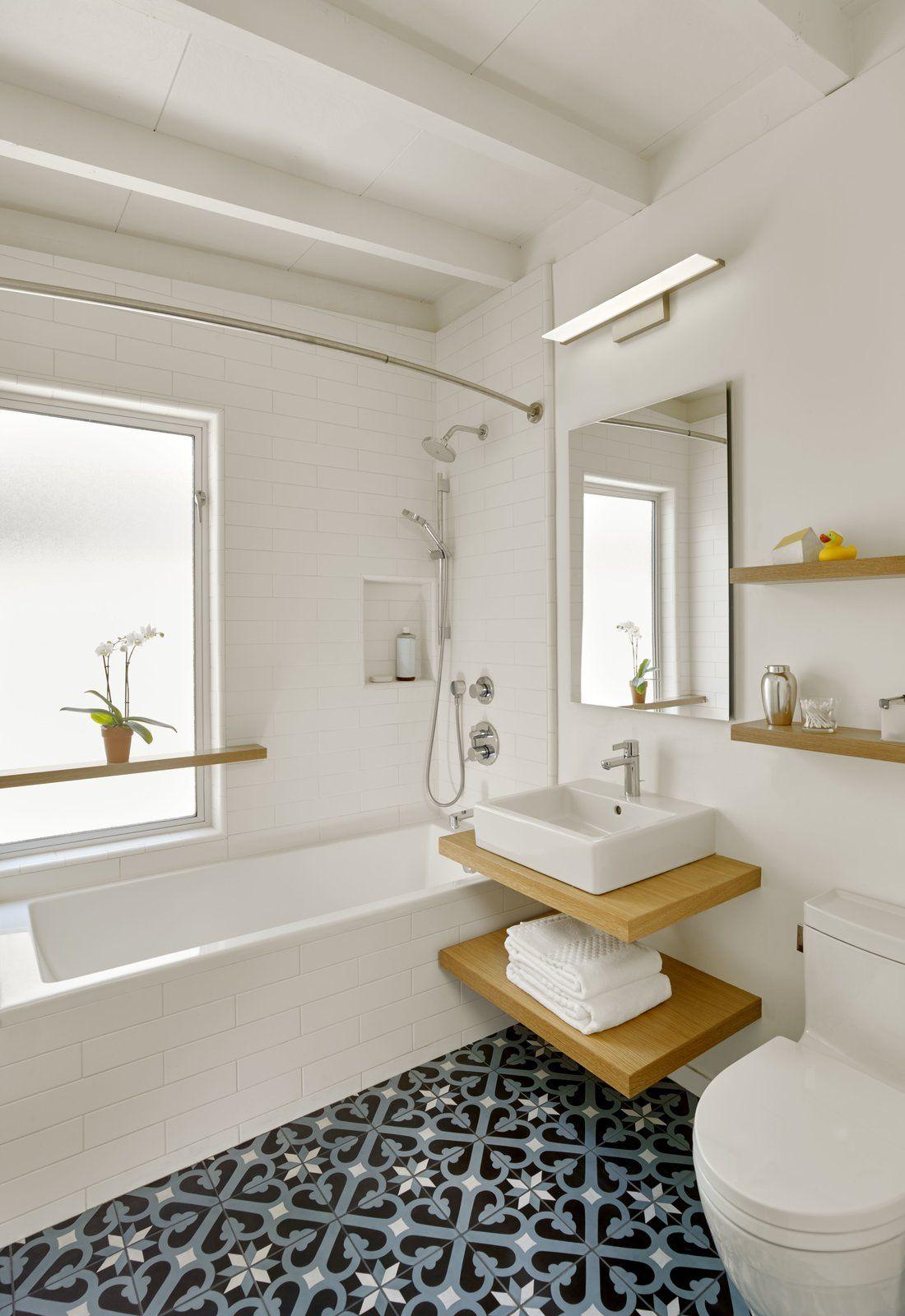 Bath Room, Wall Lighting, Concrete Floor, Undermount Tub, Open Shower, Ceramic