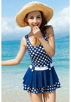 00f39bb9852 Not vintage but it's still cute | new vintage wardrobe ideas | Swim ...
