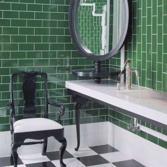 Don Ts Worth Doing Design Ideas From Hotel Bathrooms Hotel Bathroom Design Green Home Decor Bathroom Tile Designs