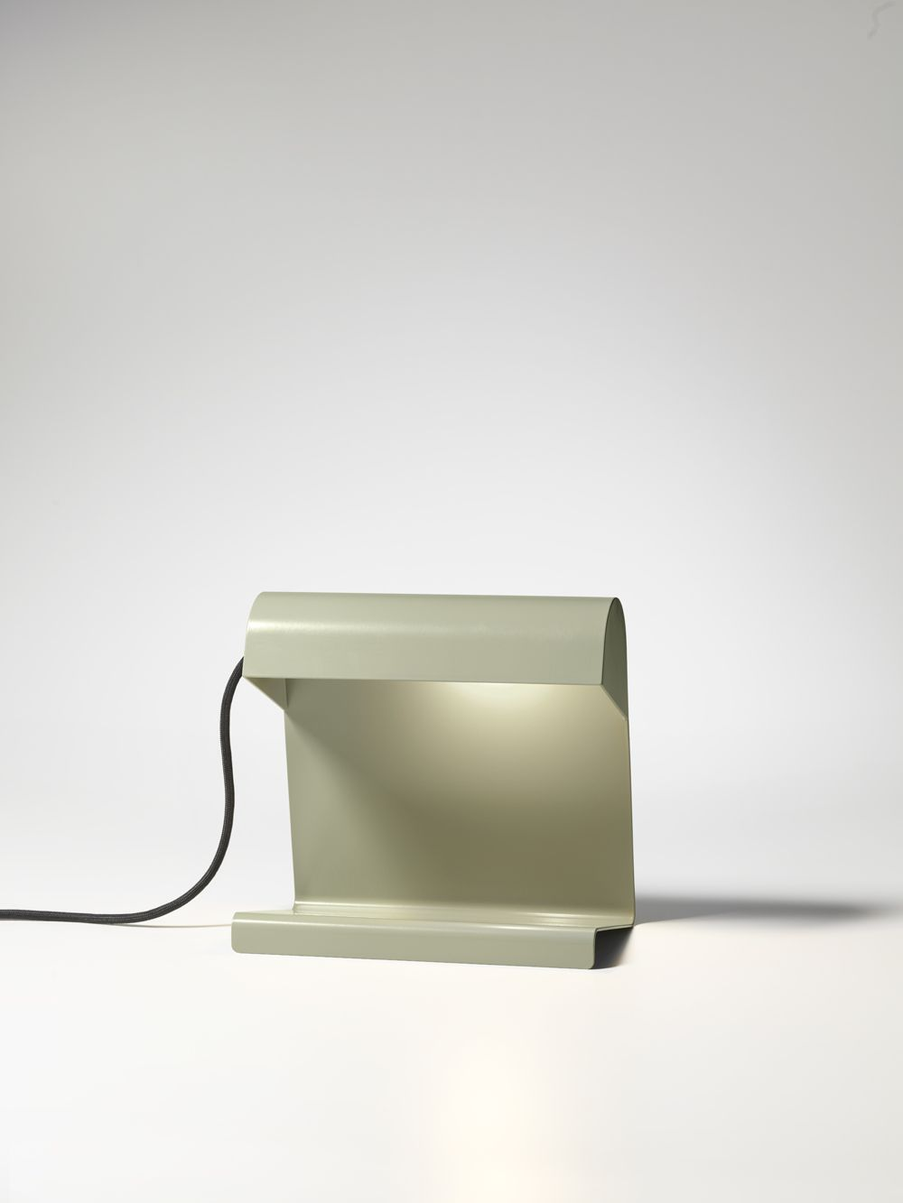 Design Revival Vitra S Prouve Raw Office Edition At Orgatec 2014 By Vitra Archiexpo Lampe De Bureau Luminaire Lampe