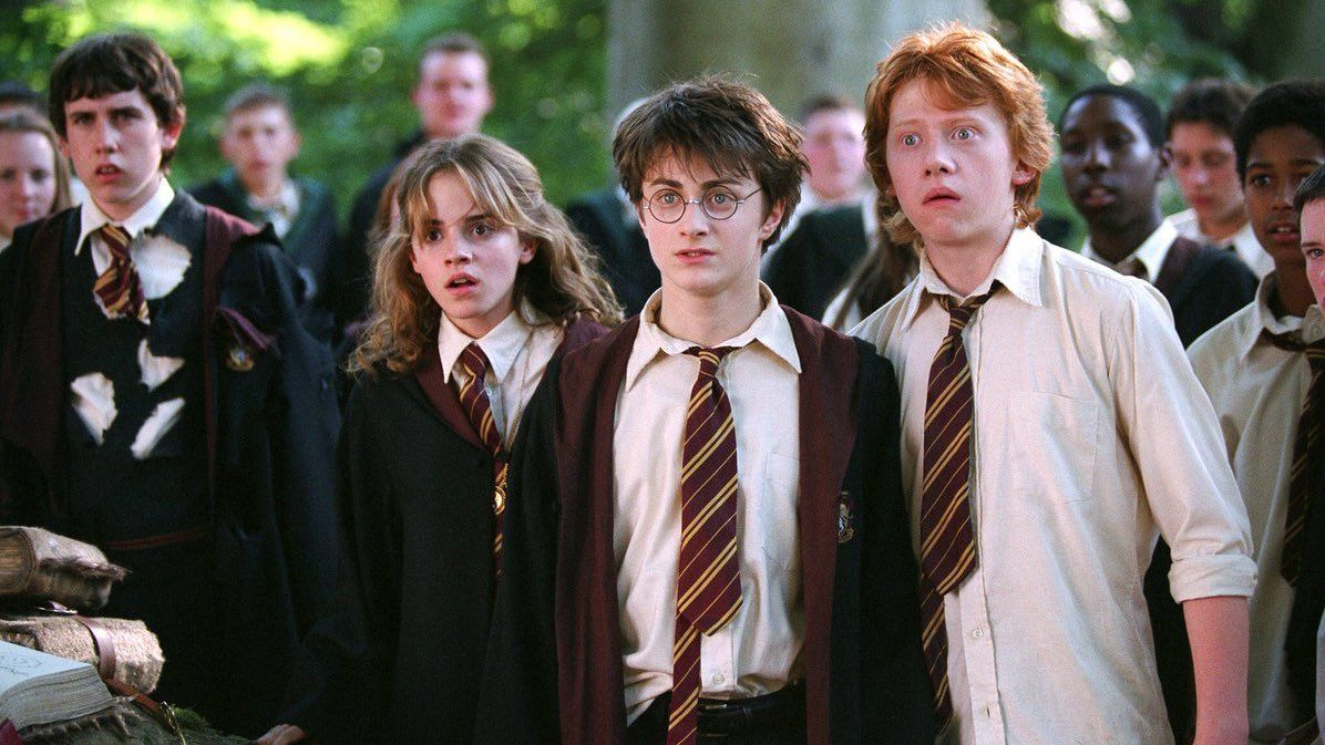 Alice On Twitter It S Been 15 Years And I M Still Not Over How Good The Golden Trio Looked In Harry Potter Cast Harry Potter Movies Harry Potter Fan Theories