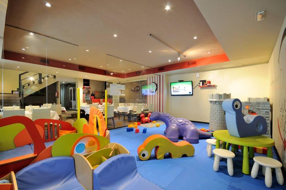 burguesita 6 sala de juegos para nios Pinterest Playrooms