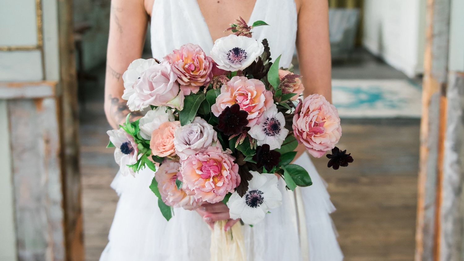 Browse the most beautiful wedding flowers to