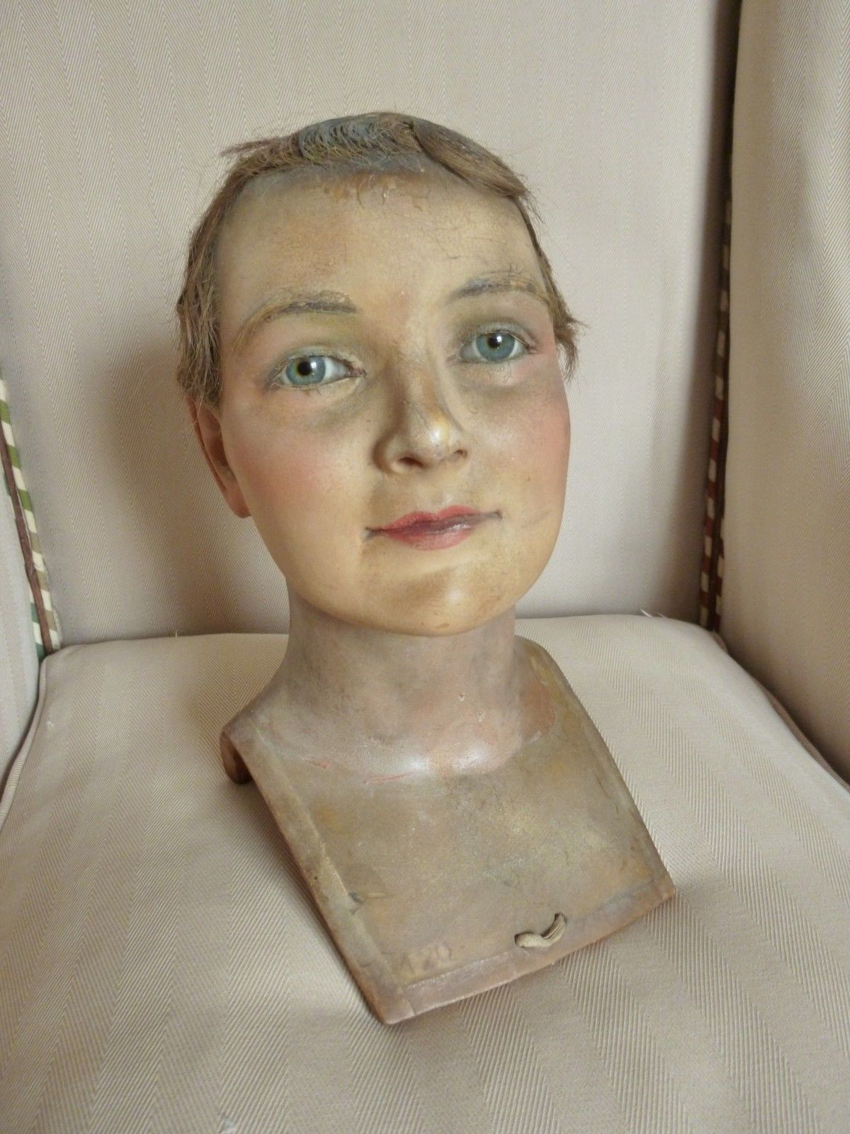 Ancienne tete cire mannequin vitrine yeux verre wax head for Vitrine verre but