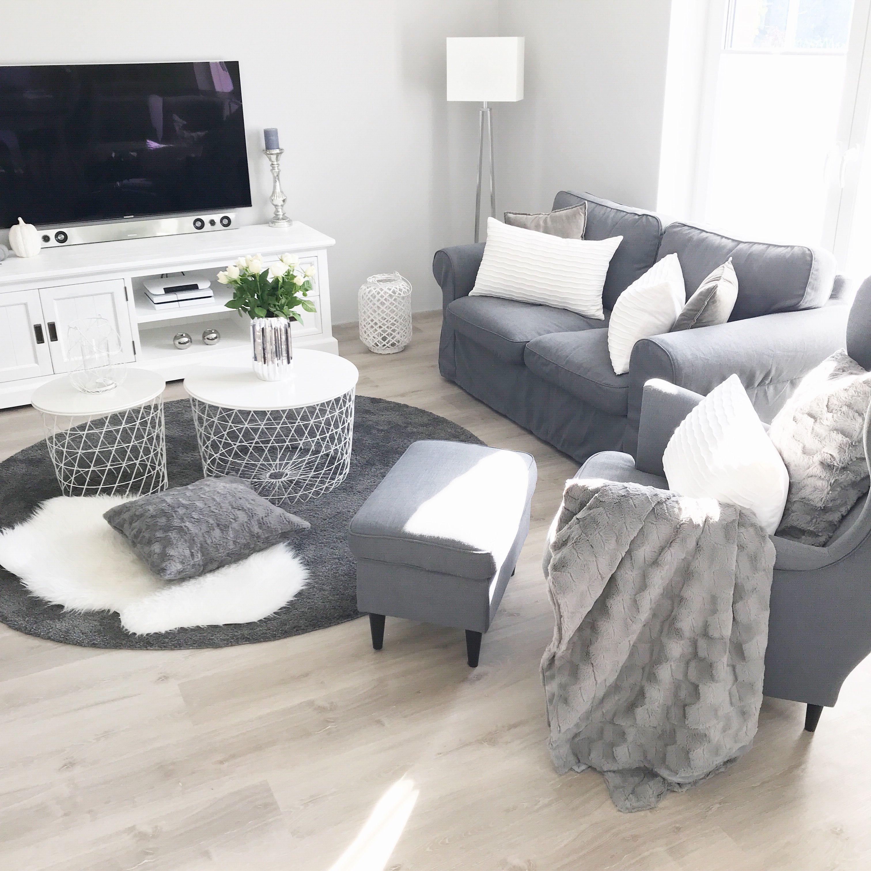 Instagram: wohn.emotion Landhaus Wohnzimmer livingroom modern grau