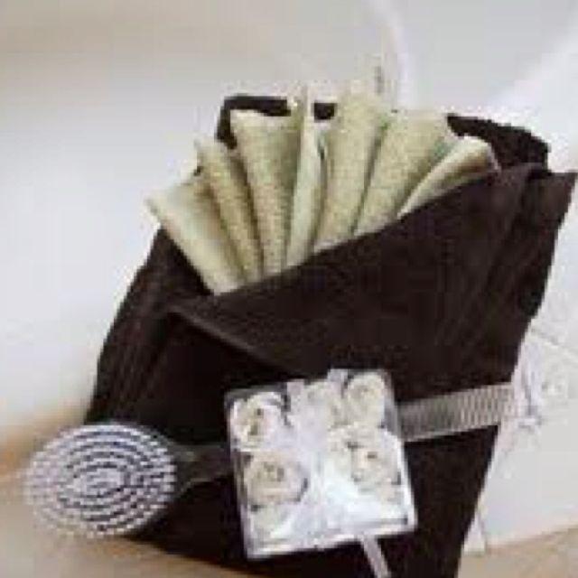 Decorative towel folding 28 images 21 best decorative for Bathroom towel folding designs
