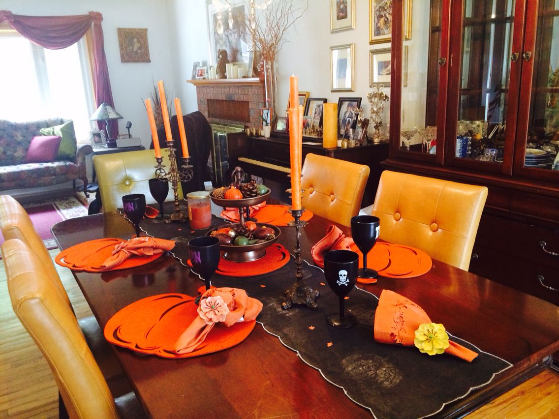 Small details make your Halloween decoration table more fun By - fun halloween decorations