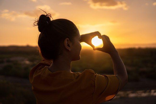 6 kraftvolle Mantras, die dein Leben zum Strahlen bringen - Honigperlen