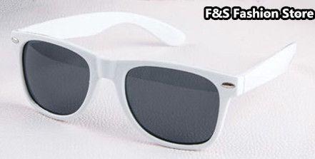 New 2015 Wayfarer Sun Glasses Summer Oculos Gafas De Sol feminino masculino  White & Black Frame Sunglasses Women Men Hot Sale - http://www.aliexpress.com/item/New-2015-Wayfarer-Sun-Glasses-Summer-Oculos-Gafas-De-Sol-feminino-masculino-White-Black-Frame-Sunglasses-Women-Men-Hot-Sale/32352255341.html