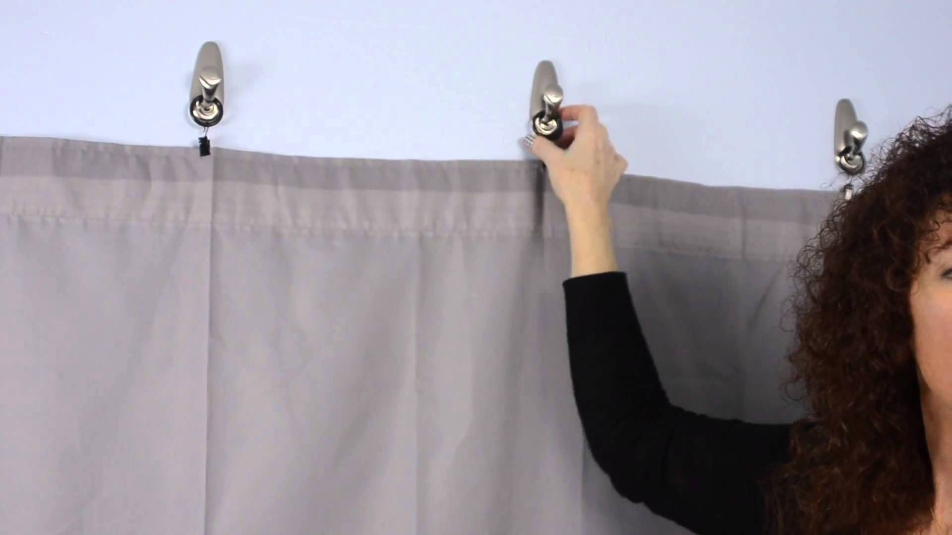 How To Decorate A Guy S Dorm Room Using 3m Hooks For Fabric Walls