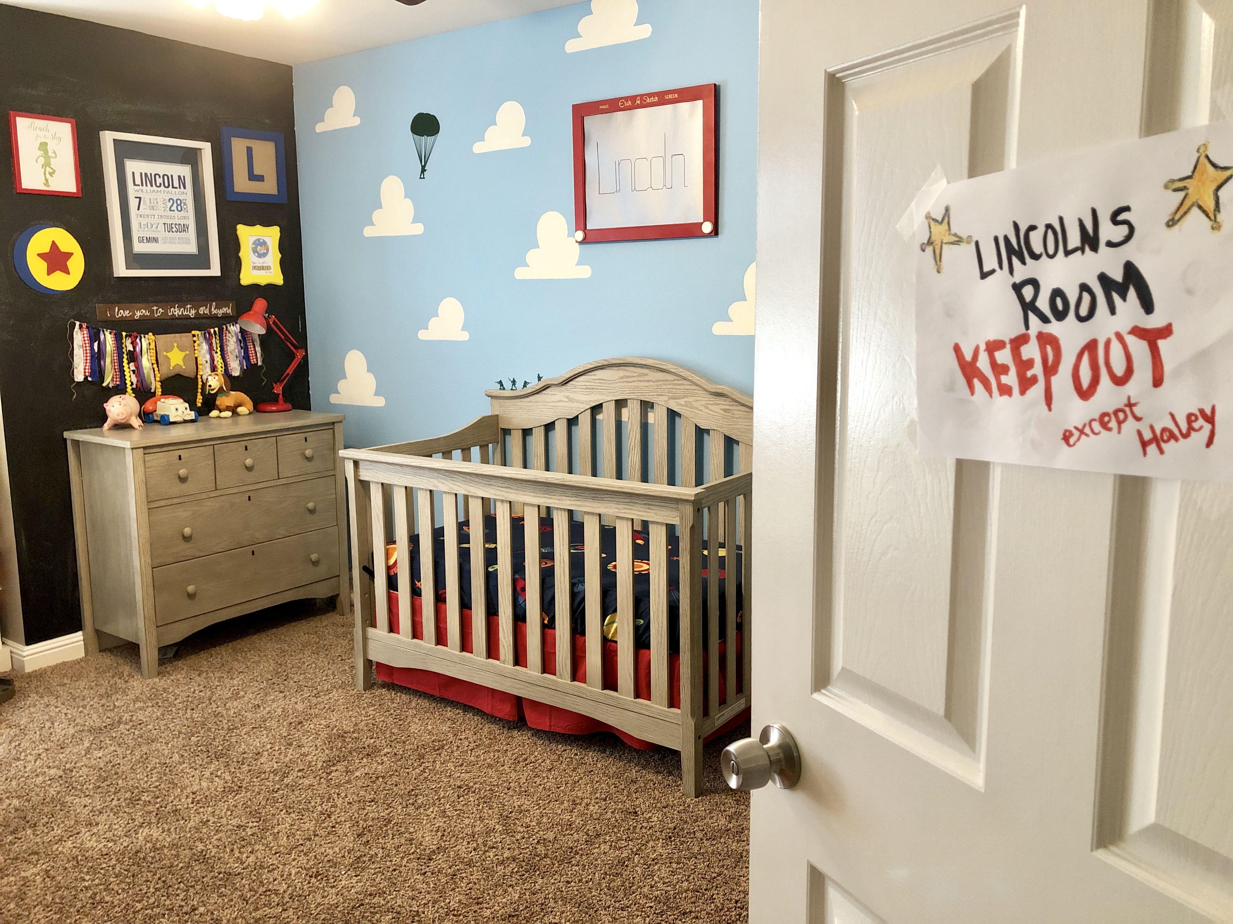 Toy Story Themed Nursery en 17
