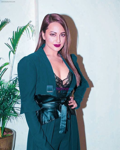 Sonakshi Sinha Latest Images (With Images)