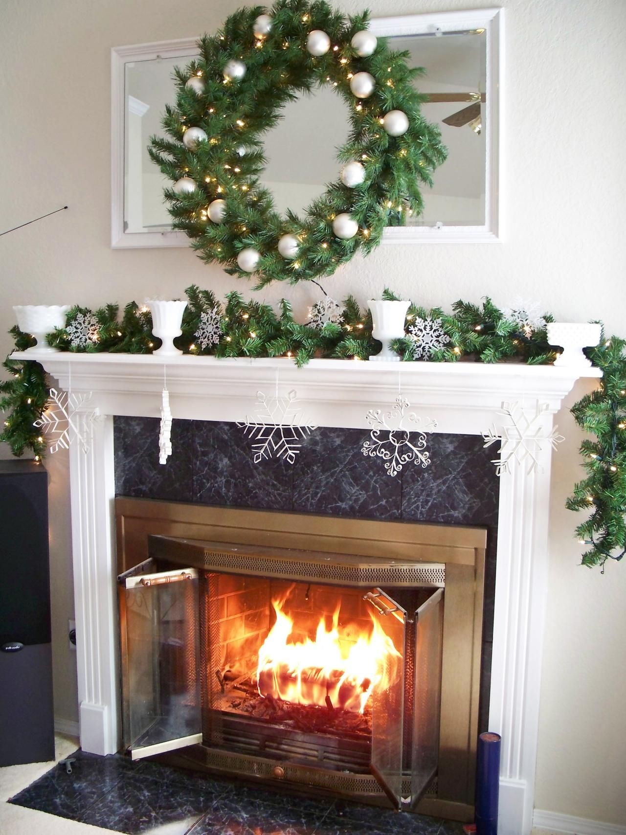 25 indoor christmas decorating ideas fireplace mantel