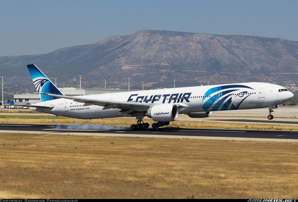 EgyptAir Boeing 777-36N/ER SU-GDO touching down at Athens-Eleftherios Venizelos, June 2014. (Photo: Georgios Papagiannakis)