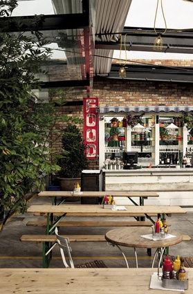 Citizen Park in Kingsland (NZ) | Bavarian beer-hall tables, industrial lighting and a retractable roof imported from Italy are key ingredients of the courtyard. #travel #children
