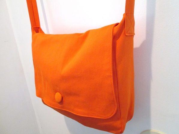 VIDA Statement Bag - Kiki-Art Angel Bag by VIDA 7P3v5IByh