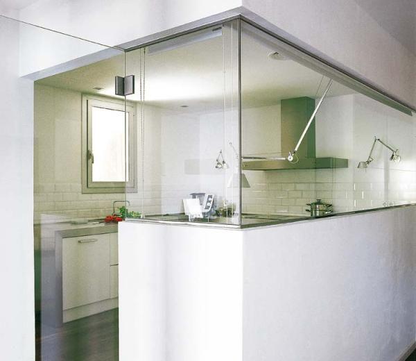 Una cocina en blanco luminoso   estudio idees despai   tecno haus ...