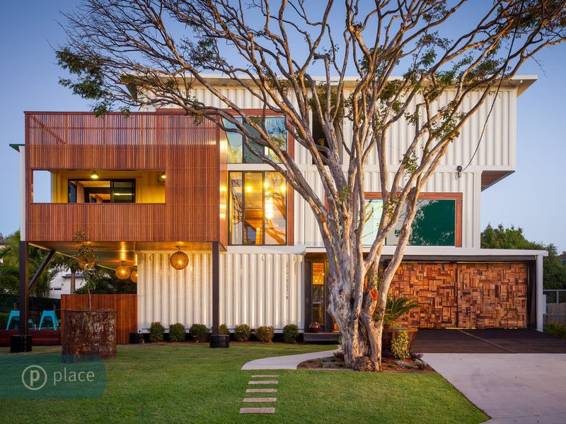 Homes Made Out Of Shipping Containers esta elegante casa con la firma de todd miller, realizada a partir