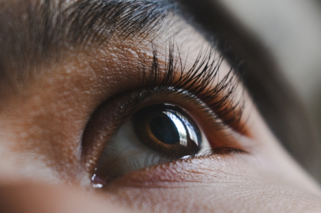 7 Facts about Lash Shedding Drooping eyelids, Natural