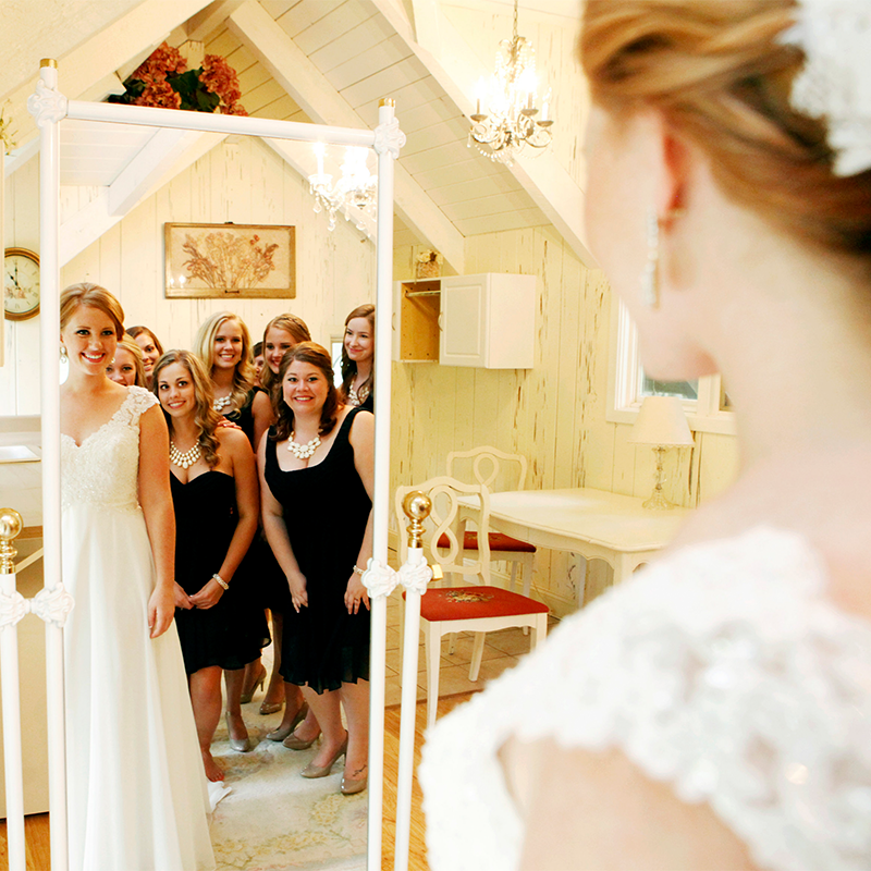 Love This Mirror Shot Of The Bride And Her Bridesmaids