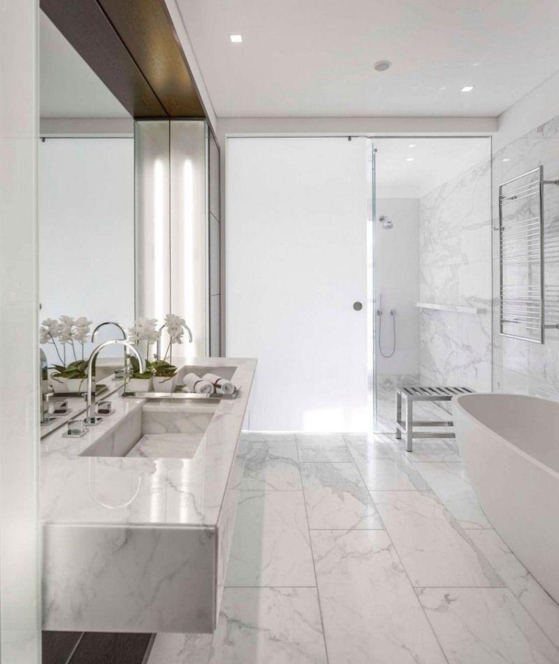 Edles Badezimmer Aus Marmor Mit Doppelwaschbecken Londonapartment