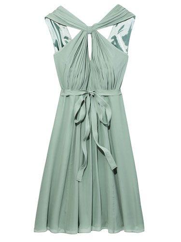 Plus Size Bridesmaid Dresses - Best Bridesmaid Dresses for Curvy Girls - Marie Claire