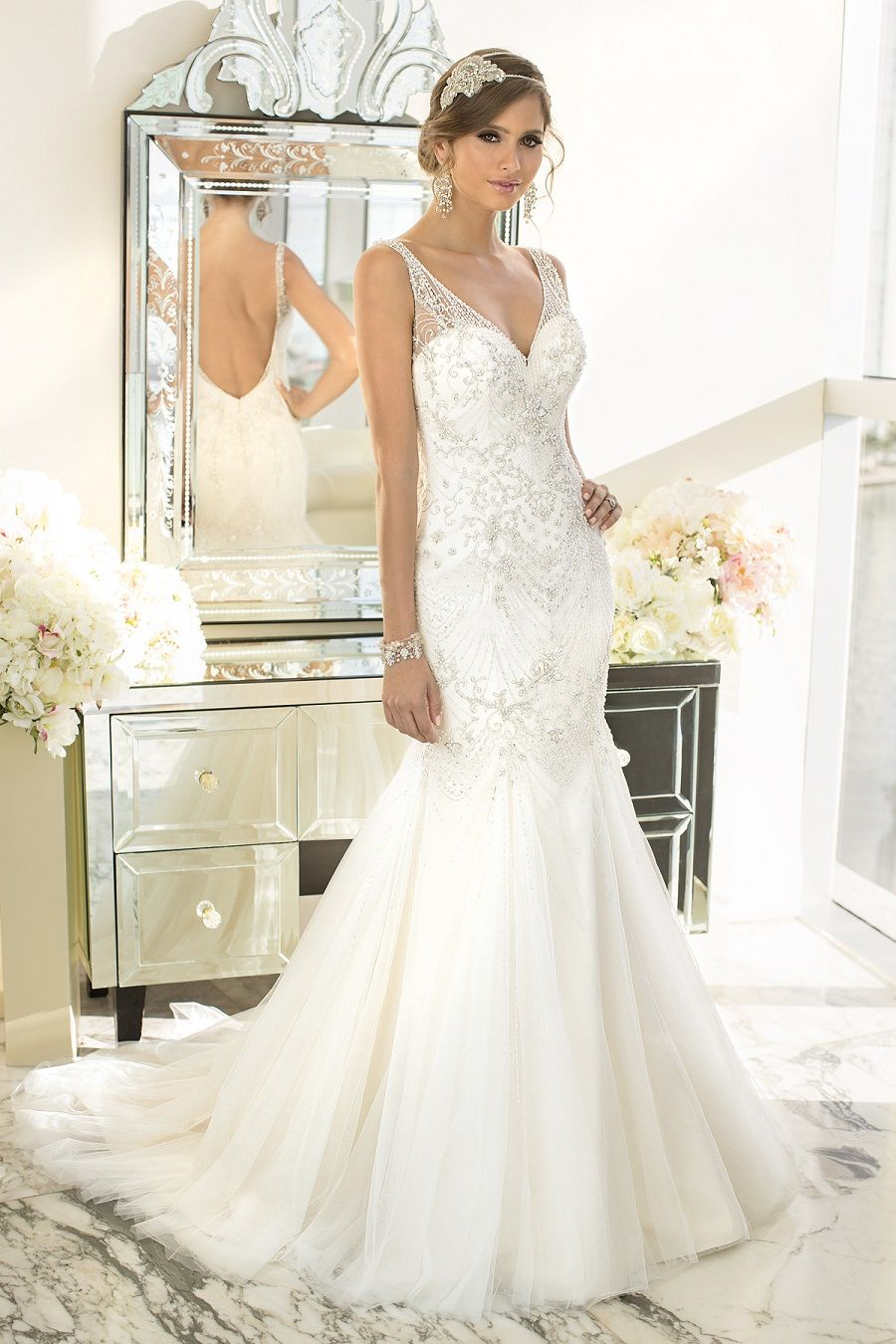 This is seriously so gorgeous! It looks like a Great Gatsby Gown ...