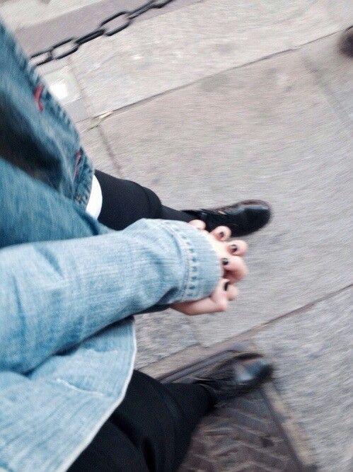 Holding Hands Grunge Hands Indie Love Pale Tumblr border=