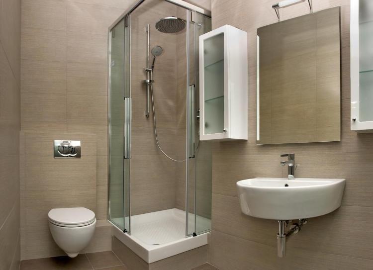 Petite salle de bains 47 id es inspirantes pour votre espace salle de bain id es salle de - Panneaux d habillage pour renover sa salle de bains ...
